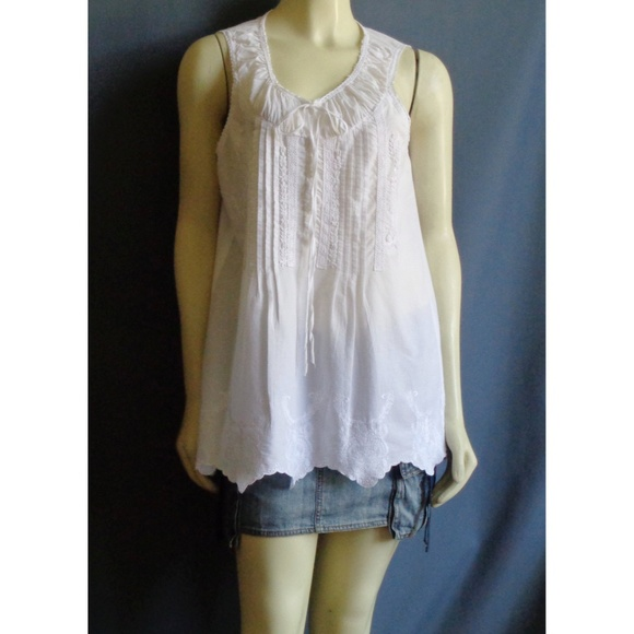 a435f40dadbda3 Sundance White Cotton Sleeveless Embroidered Top L.  M 5b1aee27a31c333a7ff1897d